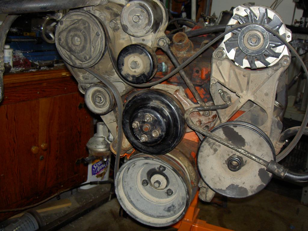 serpentine setup the 1947 present chevrolet gmc truck s10 blazer the 4 3l engine everything bolts on and lines up but there is one hole missing on the pass side head if you are using pre 88 head