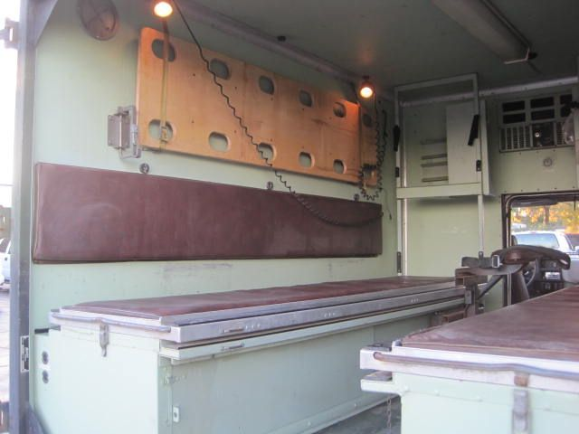 used-1984-chevrolet-d30_ambulance-m1010cucv-1151-6077924-10-640.jpg