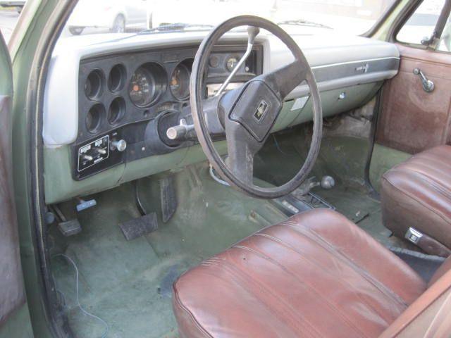 used-1984-chevrolet-d30_ambulance-m1010cucv-1151-6077924-6-640.jpg
