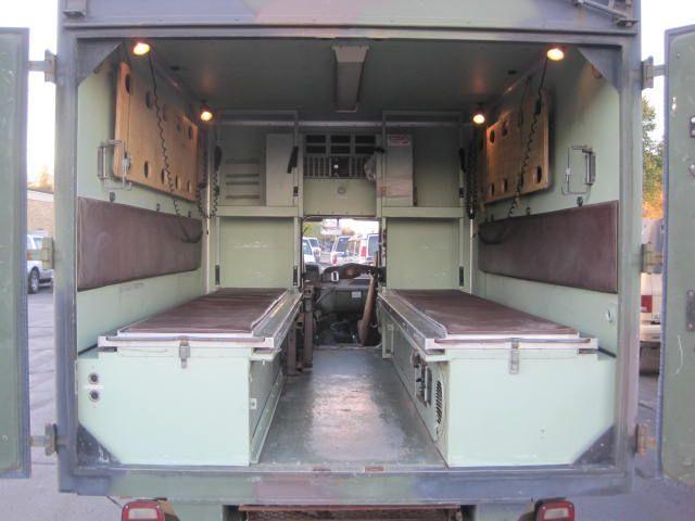 used-1984-chevrolet-d30_ambulance-m1010cucv-1151-6077924-9-640.jpg