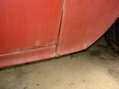 Pass. side lower fender and door rust